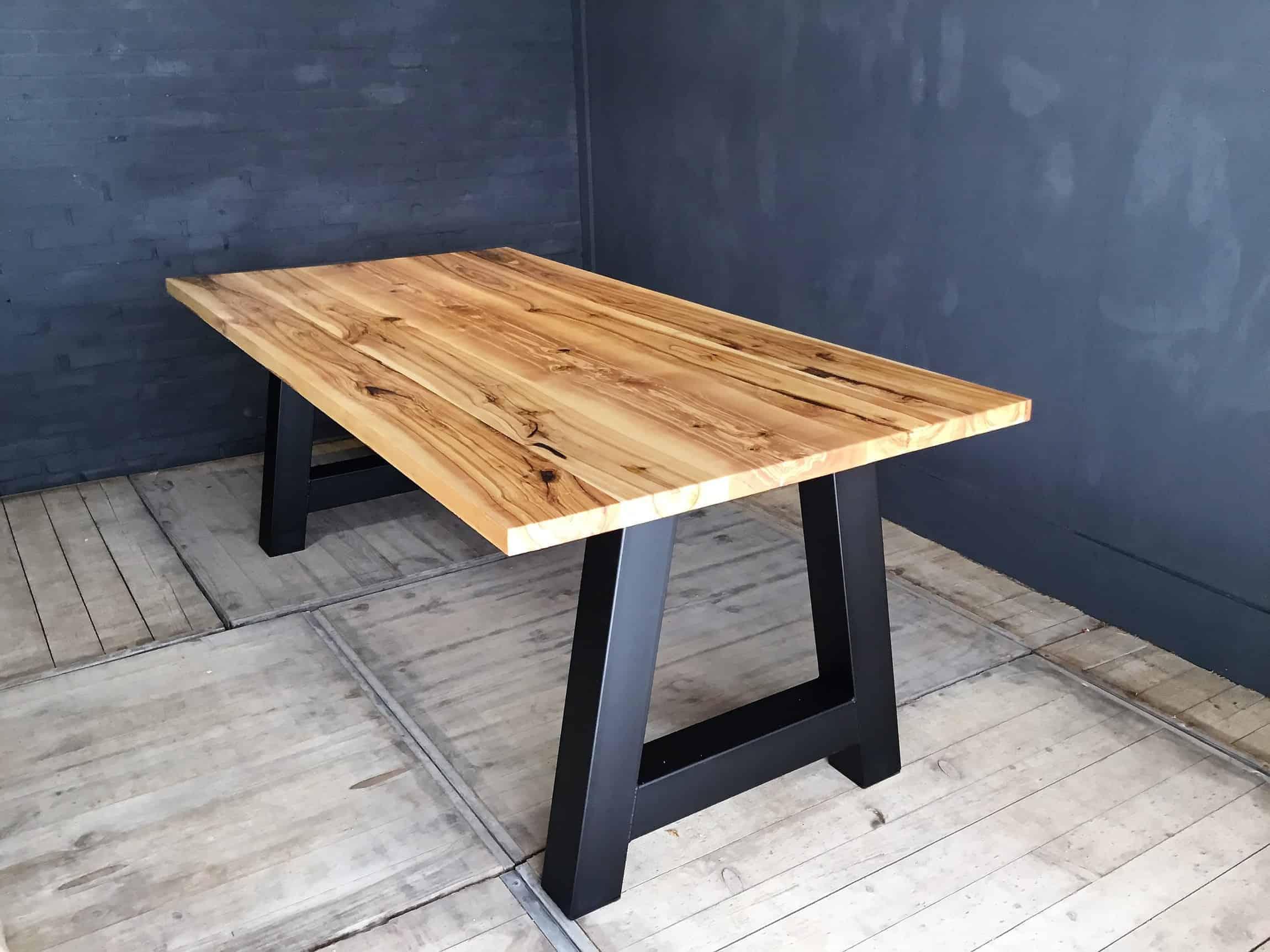 Notenhout tafels markante tafels