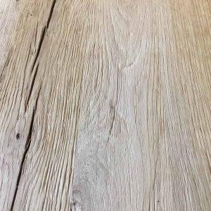 Geborsteld en matte lak