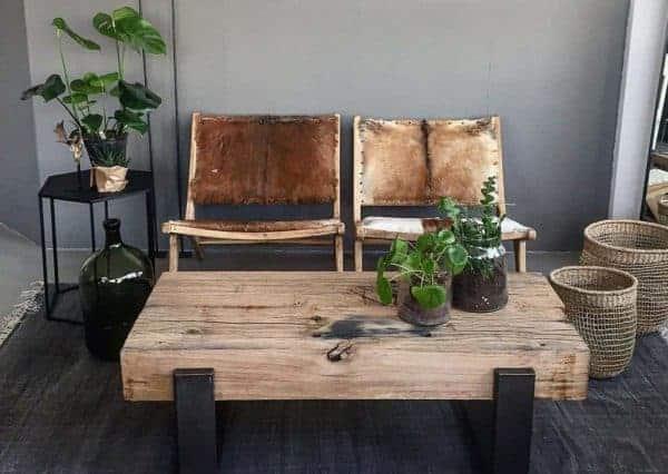 Oud eiken balken salon tafel