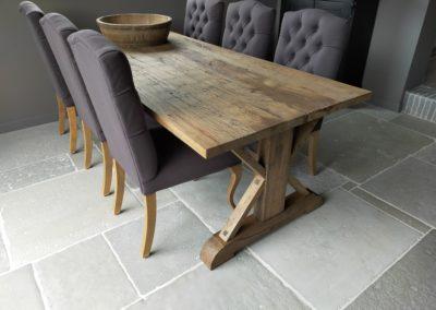 Oud eiken kasteel tafel