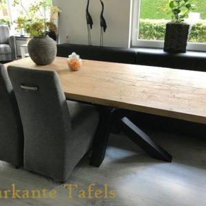 Oud eiken tafel 240x100 cm met matrix poot