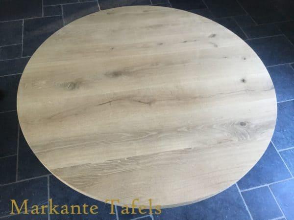 Rond tafelblad van massief rustiek eikenhout