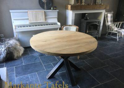 Ronde eiken tafels vanaf €595,-