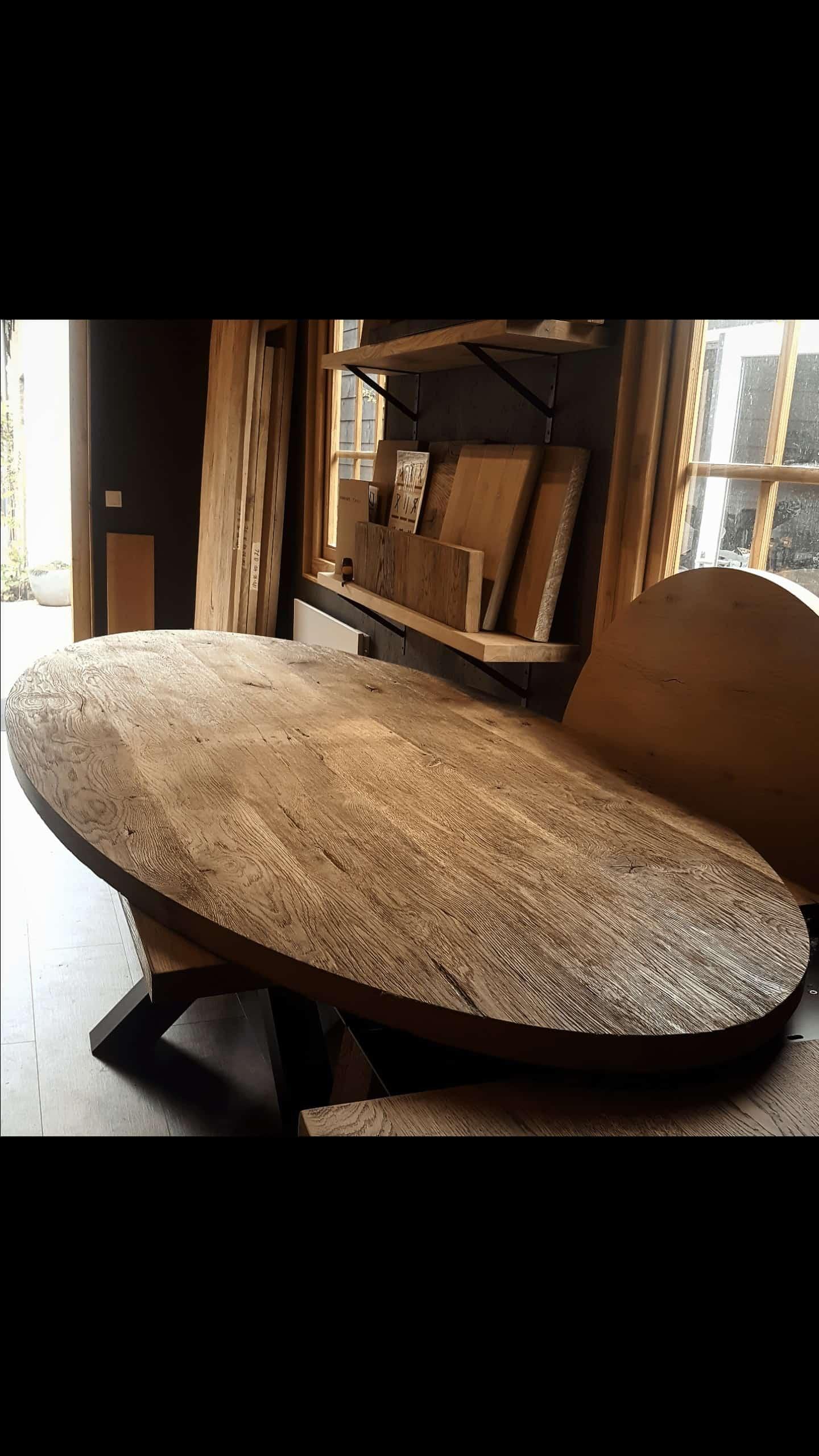 Ovaal oud eiken tafelblad
