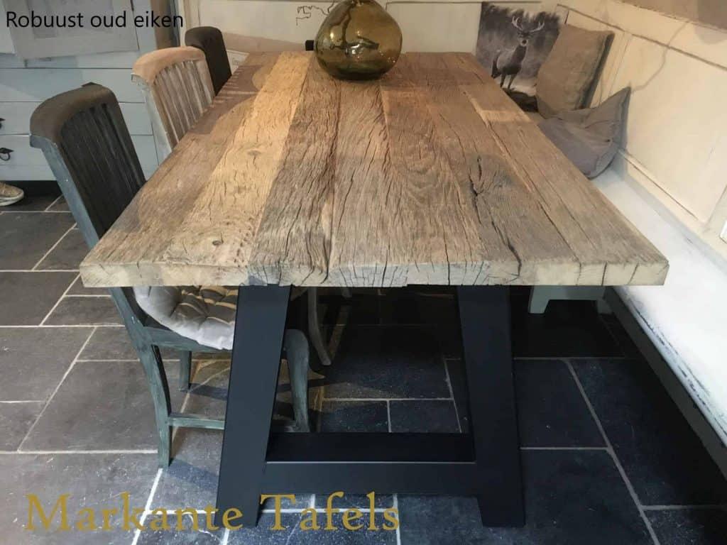 Oud eiken tafel met A poten