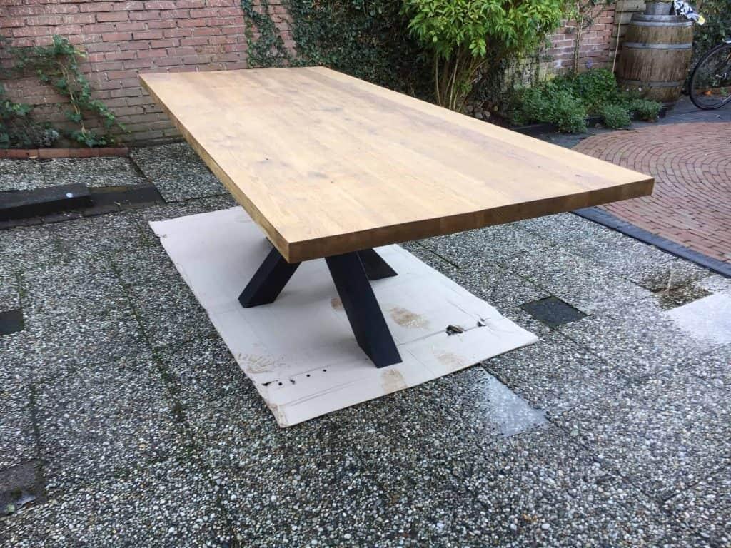 Oud eiken tafel geloogd met Matrixpoot 240x100 cm