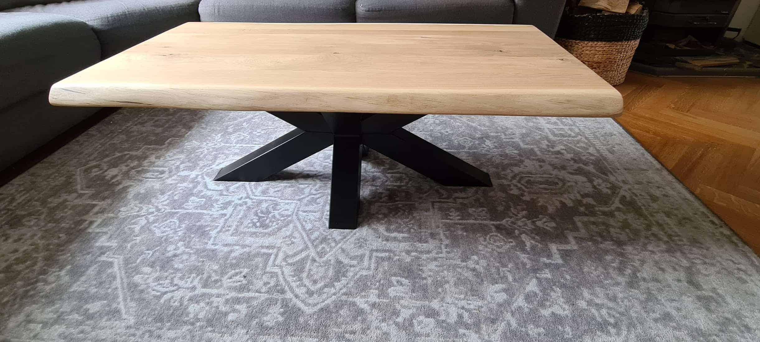 Salontafel met boomstamrand en matrix onderstel 120x60 cm