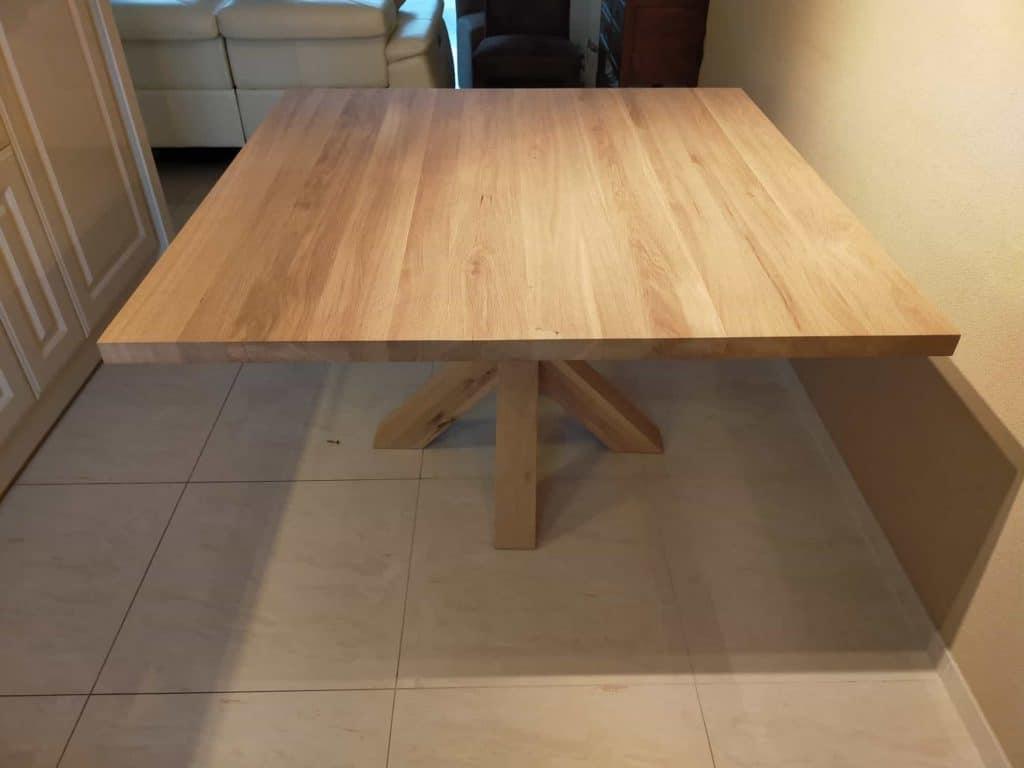Vierkante eiken tafel 130x130 cm met eiken spinpoot