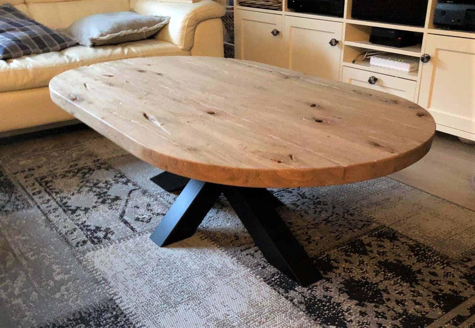 Recht ovale salontafel van geschaafd oud eiken