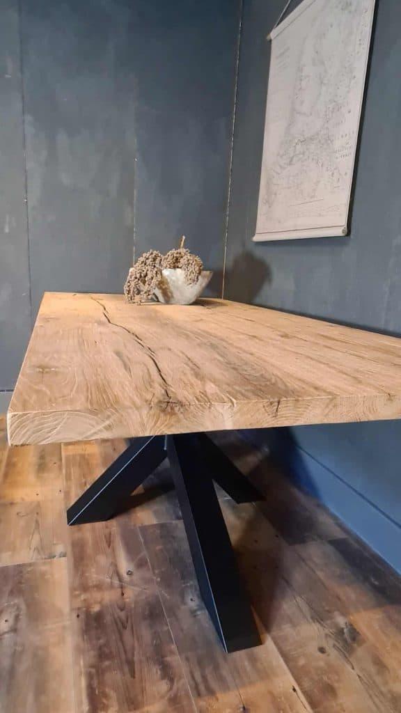 Geschaafd oud eiken blad, geborsteld en afgewerkt met matte lak