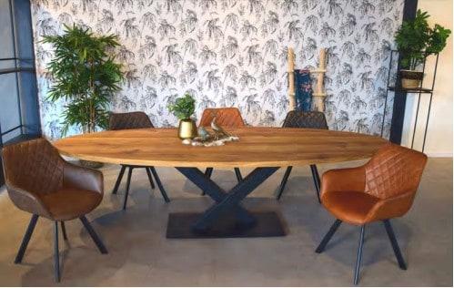 Ovale tafel met stalen V poot