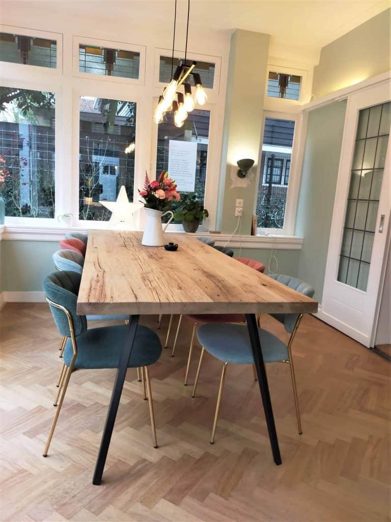Geschaafd en geborsteld oud eiken tafel