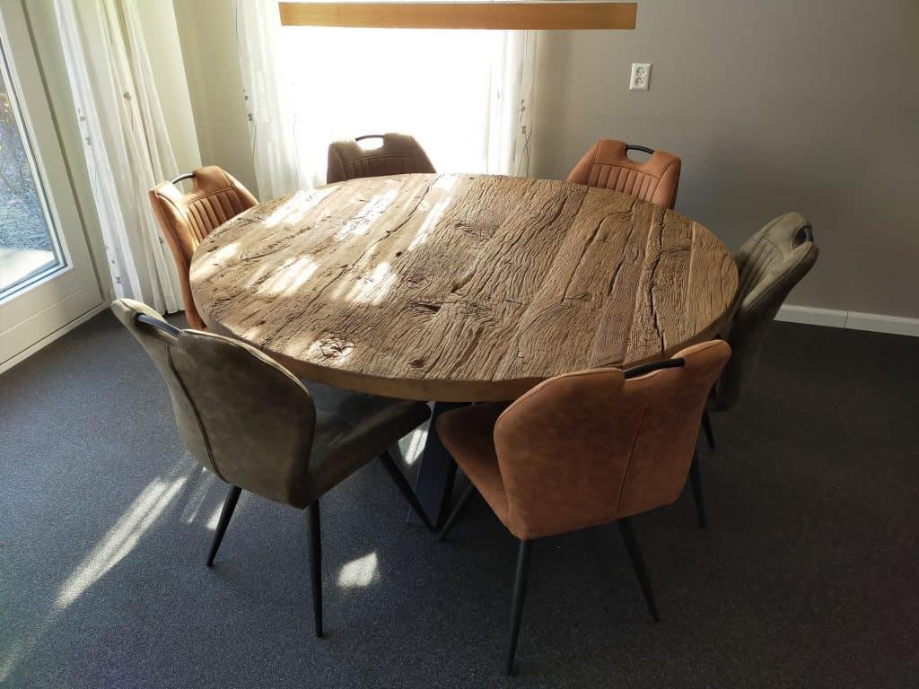 Robuust oud eiken tafel met stalen spinpoot, afmeting: diameter 160 cm